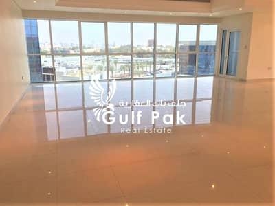 فلیٹ 4 غرف نوم للايجار في الخالدية، أبوظبي - شقة في الخالدية 4 غرف 205000 درهم - 4568061