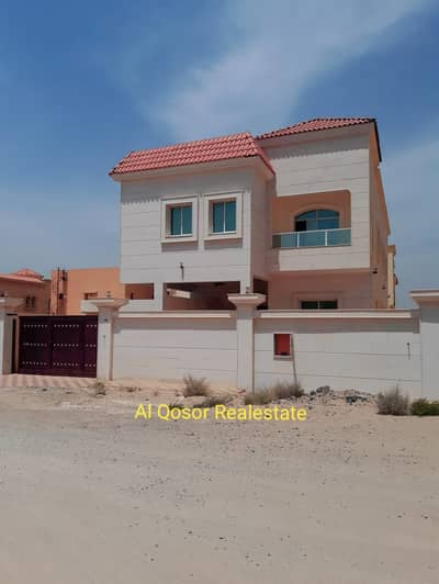 6 Bedroom Villa for Sale in Al Rawda, Ajman - Villa for sale in Ajman, Rawda area, the point of a stone, near a mosque, with the possibility of bank financing