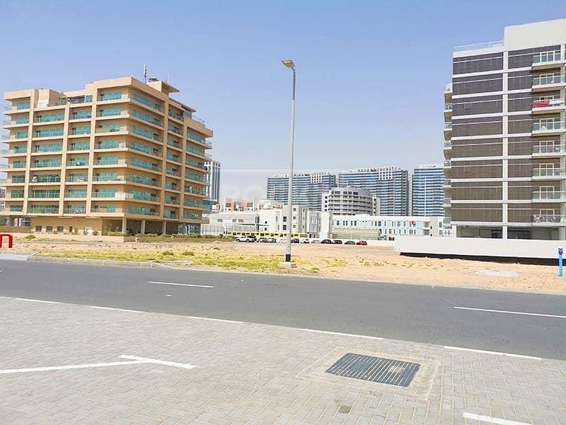 11 Huge | G+3 | Residential plus Retail