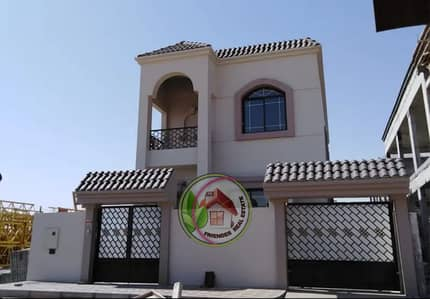 4 Bedroom Villa for Sale in Al Yasmeen, Ajman - Villa for sale is characterized by calm and comfort very close to the Emirates Street freehold at an attractive price in Jasmine