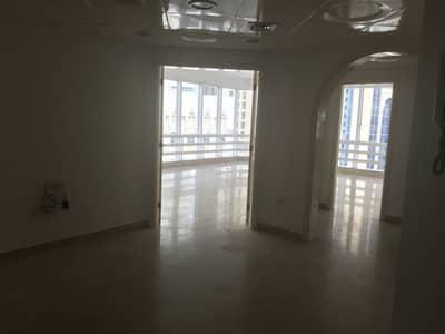شقة 3 غرف نوم للايجار في شارع الشيخ خليفة بن زايد، أبوظبي - شقة في شارع الشيخ خليفة بن زايد 3 غرف 85000 درهم - 4569394
