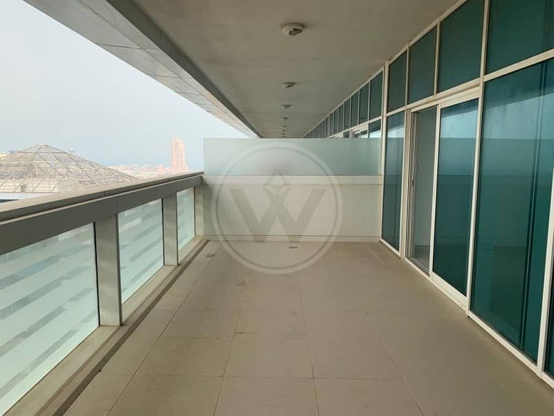 2 4 cheques | No commission | Spacious Balcony