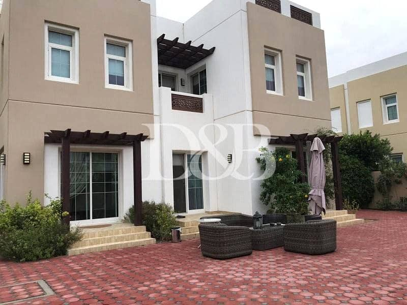 2 Single Occupant Villa | Next to Pool and Park
