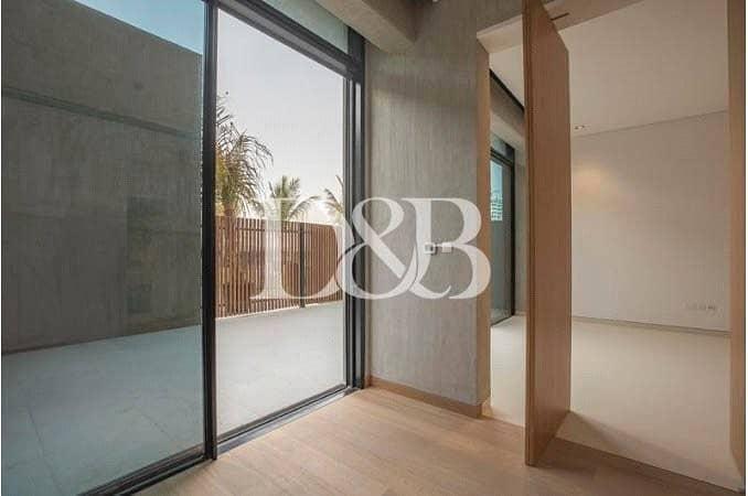 10 Unique Contemporary Unit | Incredible Terrace