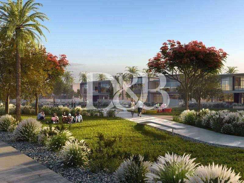 10 Exquisite 4BR Villa | Golf Course Community