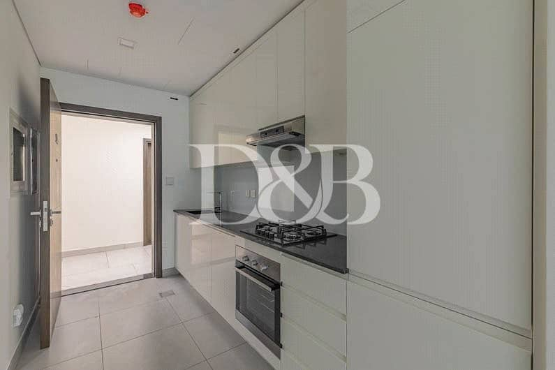 10 4 Chq's| With Kitchen Appliances | With Balcony