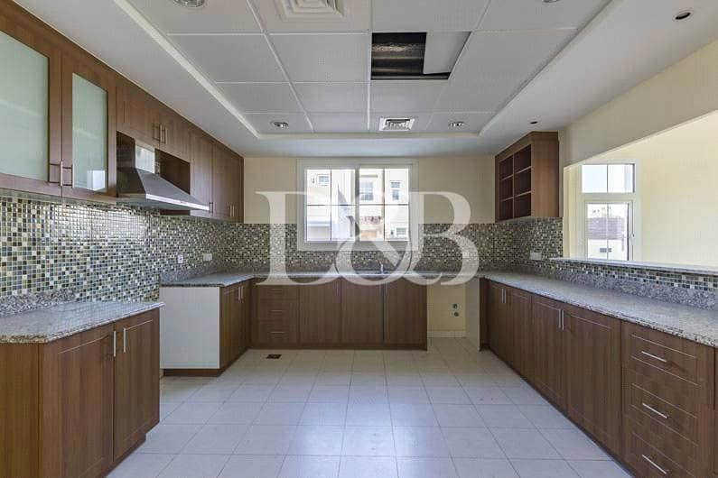 10 Single Occupant Villa | Next to Pool and Park
