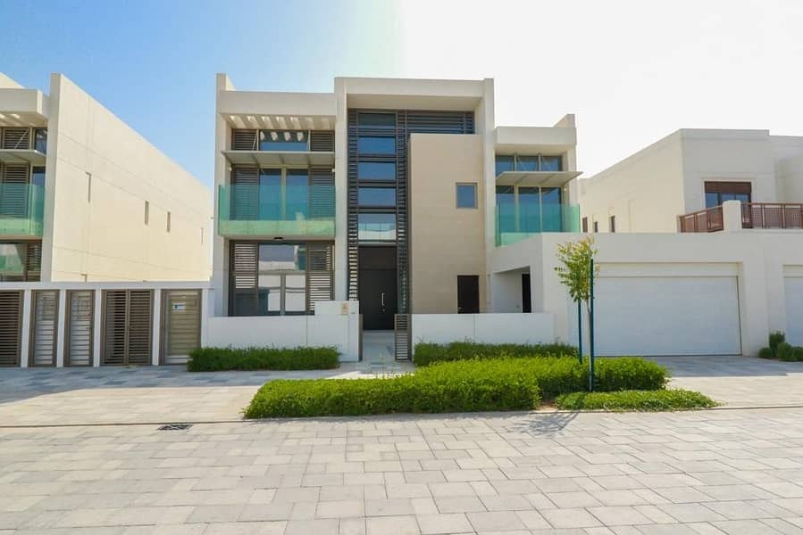 Contemporary 5 BR| Furnished Villa Ready to Move-In
