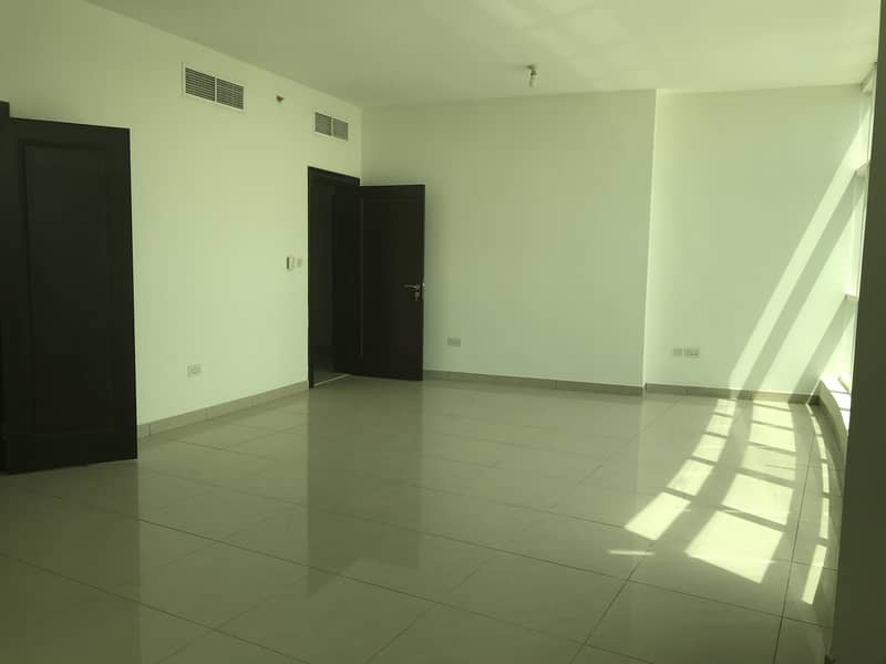 Fabulous 3 Bedroom Apartment with Maid's Room in Al Yaqut Tower