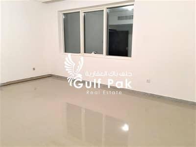فلیٹ 2 غرفة نوم للايجار في الخالدية، أبوظبي - شقة في شارع الاستقلال الخالدية 2 غرف 55000 درهم - 4572575