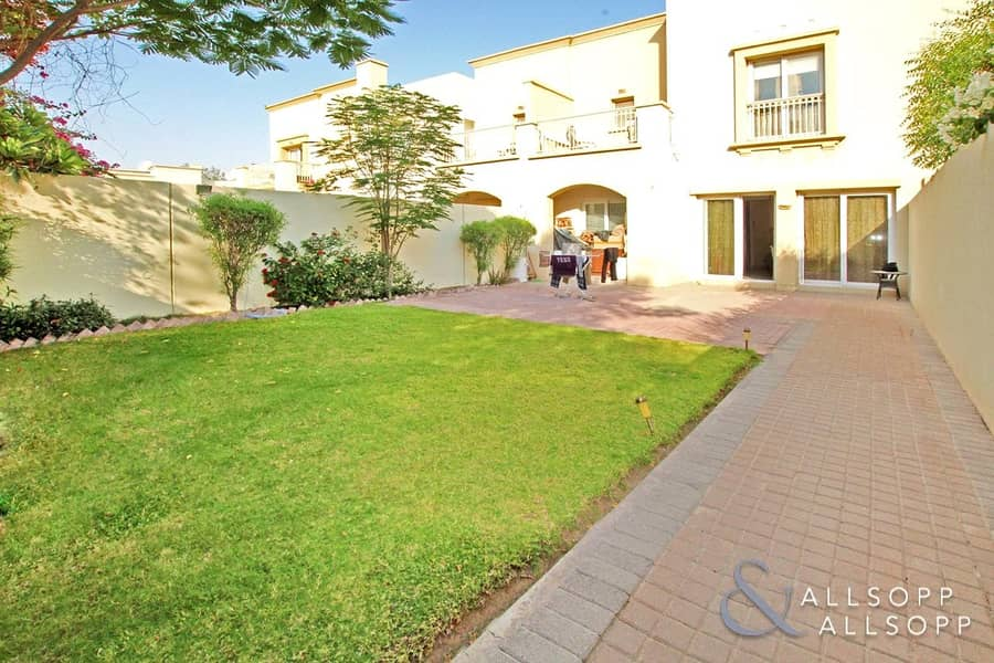 EXCLUSIVE | 3M 3Bed | Facing Pool and Park