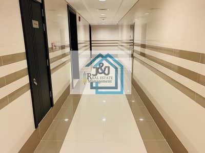شقة 1 غرفة نوم للايجار في الخالدية، أبوظبي - 1 bedroom Beautiful *Brand New* Apartment with Parking