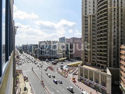 مکتب  للايجار في بر دبي، دبي - مکتب في السوق الكبير بر دبي 31500 درهم - 4573869