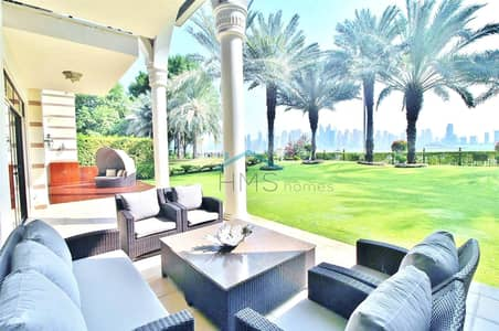 5 Bedroom Villa for Sale in Palm Jumeirah, Dubai - ROYAL RESIDENCE |  LUXURY LIVING