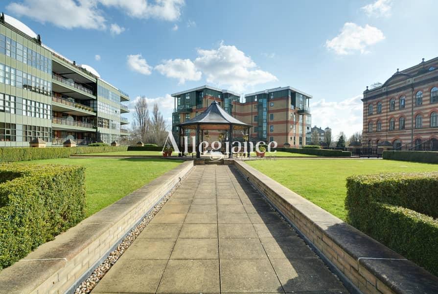 22 Vacant in London | Premium Choice | Garden View