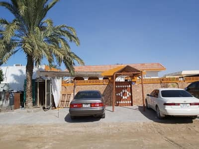 4 Bedroom Villa for Sale in Musherief, Ajman - Villa for sale ground floor in Mushairif Ajman 8000 feet near services owned by Ajman citizens