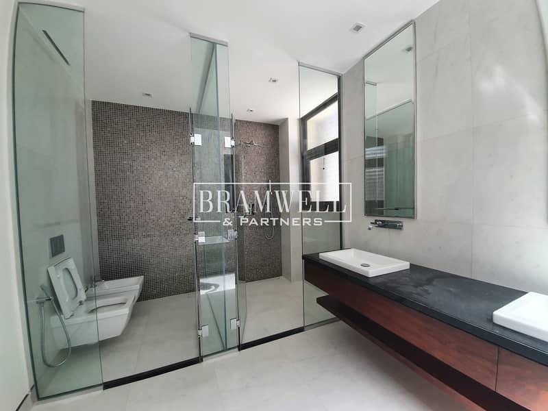 18 Stunning 5 Bedroom For Sale