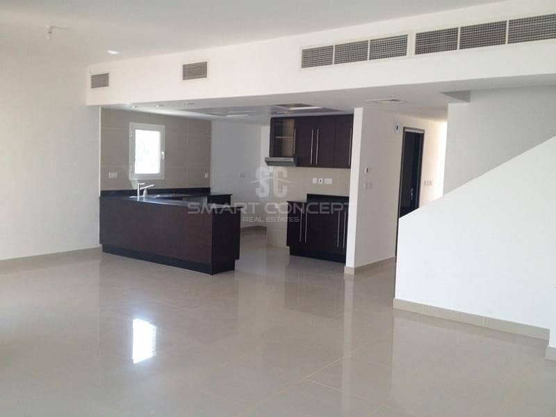 Ready to move in| Well maintained and spacious
