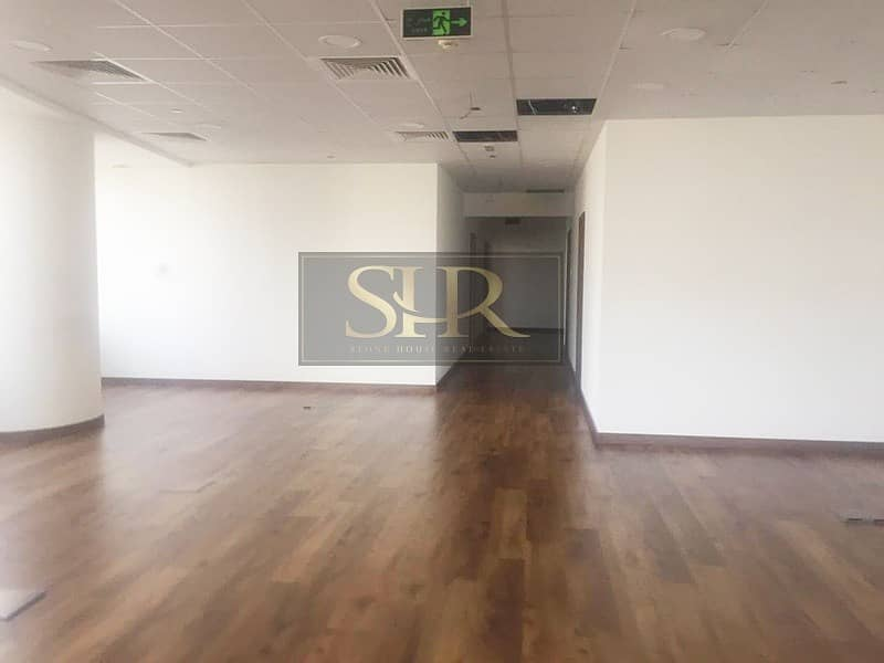 2 Fitted Office in Gold Tower With Partitions Option