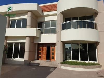 4 Bedroom Villa for Rent in Jumeirah, Dubai - Prime Location Spacious 4 Bedroom Villa Compound