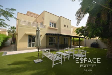 4 Bedroom Villa for Rent in The Meadows, Dubai - Immaculate | Upgraded | Pool Backing
