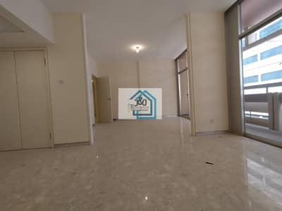 فلیٹ 3 غرف نوم للايجار في الخالدية، أبوظبي - Good 3 Bhk Apartment with laundry room in khalidiyah available for rent 65