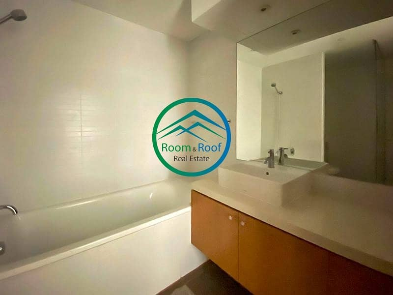 26 4 Easy Payments! Spacious Unit Ready to Move in