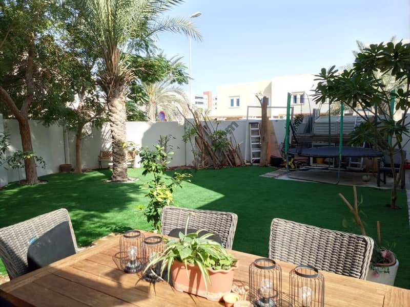 Beautiful Family Villa With Private Pool In Deset Village  And Immaculate Landscaped Garden With Own Pool