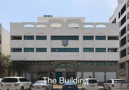 3 Bedroom Apartment for Rent in Defence Street, Abu Dhabi - SPACIOUS 3 BEDROOM FLAT WITH 3 BATHROOMS IN DEDENCE ROAD NEAR BURJEEL HOSPITAL AND DAR AL SHIFA HOSPITAL