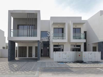 High end finishing and living| Ready to move in