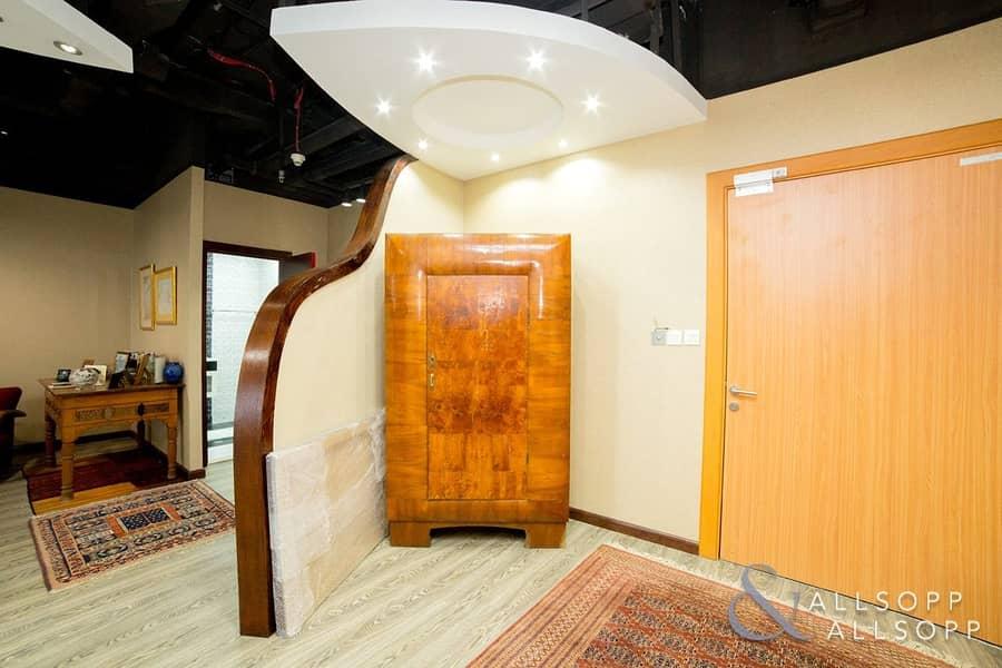 10 Furnished Pantry   Nice Washroom   Reception