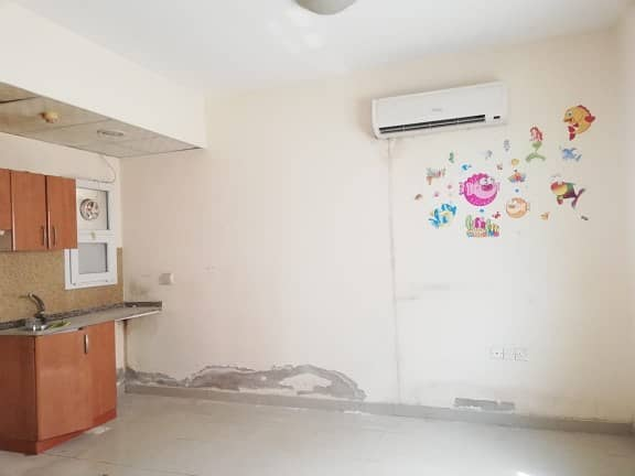 One & Only Studio Only 11K Close Kitchen,Split AC,Full Tub in Muwaileh