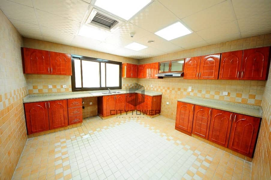 2 Spacious and decent 2 bed+hall Damascus Street Near UAE Exchange