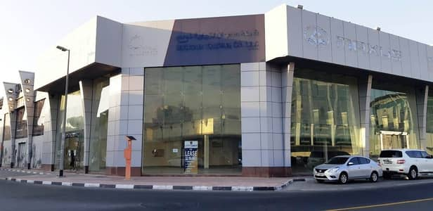 Large Fitted Showroom near DNATA DEIRA High Visibility