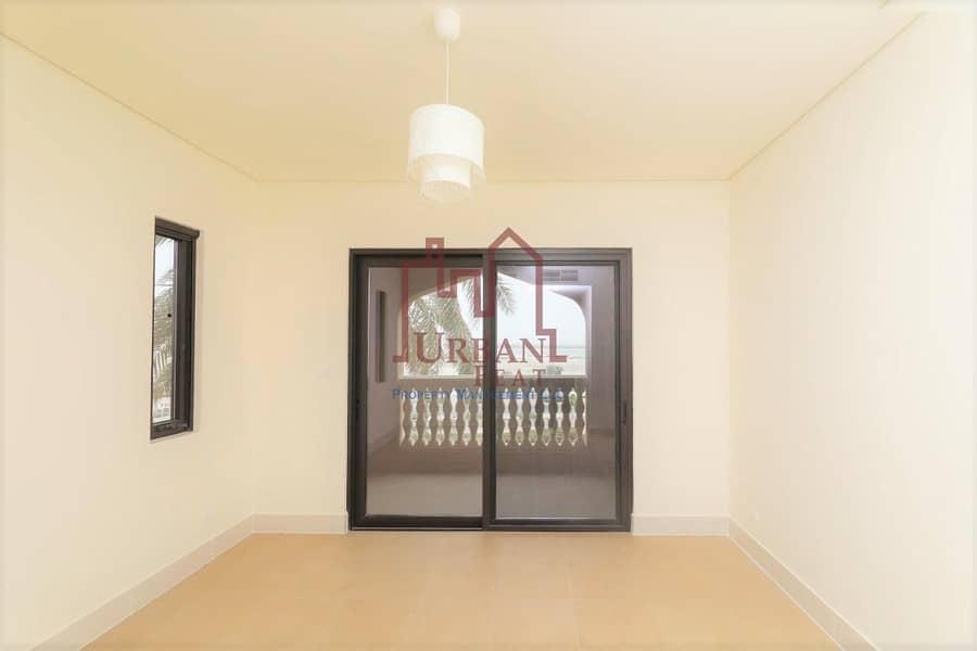 2 Exclusive apartment w/ balcony!