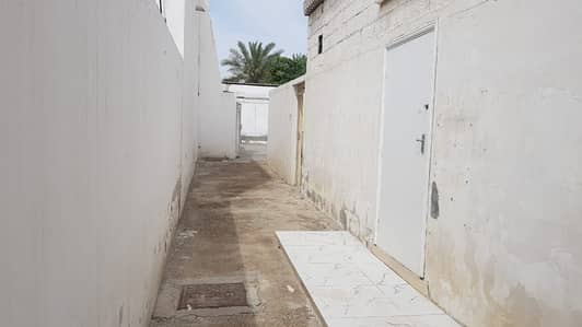 *** GREAT OFFER – Beautiful 3BHK Single storey Villa in Al Jazzat area available in very low rents ***
