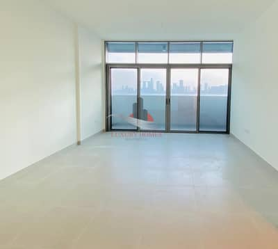 2 Bedroom Flat for Rent in Saadiyat Island, Abu Dhabi - Natural Light  Brand New Sea View With Balcony