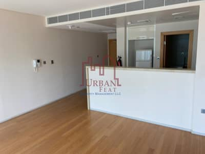 Move in! 2 payments Luxurious 1BR w/ sea view