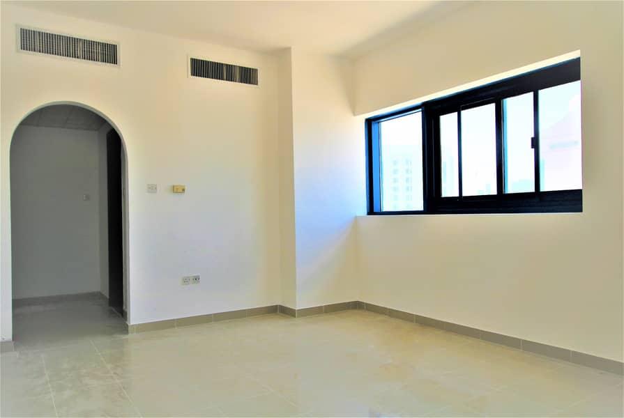 شقة في شارع المطار 38000 درهم - 4333469