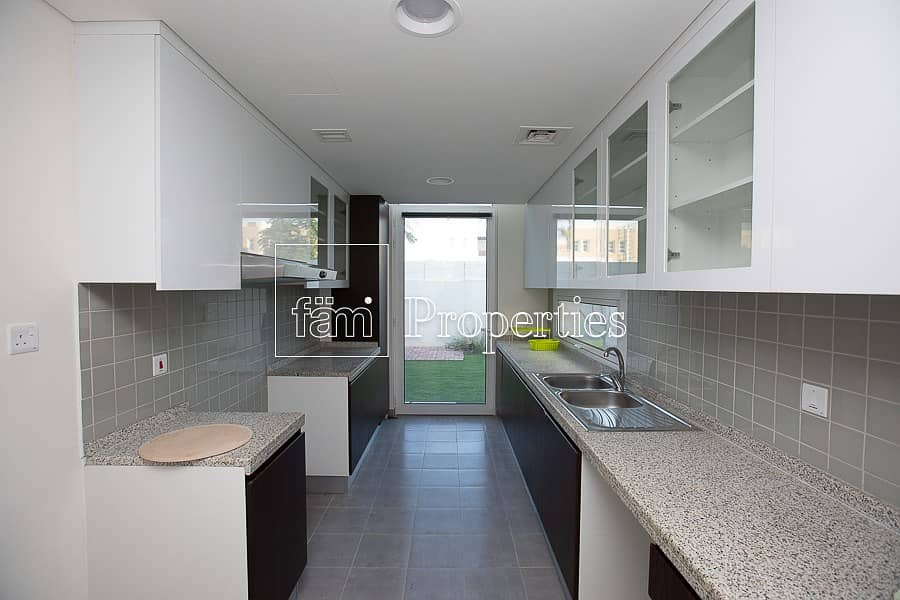 11 One of the best corner 3-bed Brand new townhouse