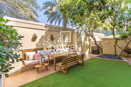 فیلا 3 غرف نوم للايجار في دبي مارينا، دبي - Villa with Maids Room and Private Garage