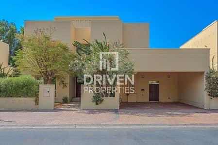 فیلا 4 غرف نوم للبيع في السهول، دبي - Upgraded 4 Bed Villa in a Prime Location