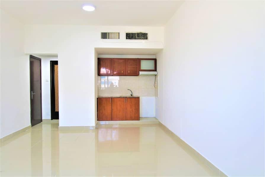 شقة في شارع المطار 38000 درهم - 4580529