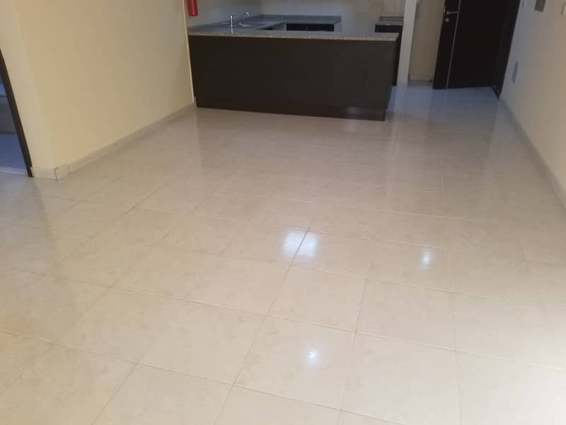 شقة في أبراج أحلام جولدكريست مدينة الإمارات 1 غرف 150000 درهم - 4540106