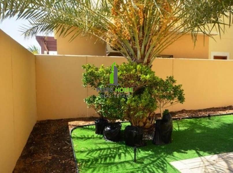 10 Outstanding Villla Spacious and Clean 3 Bedrooms For Sale In Sidra Community.