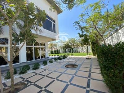 Beautiful 5 bed Modern Villa in Khawaneej 1