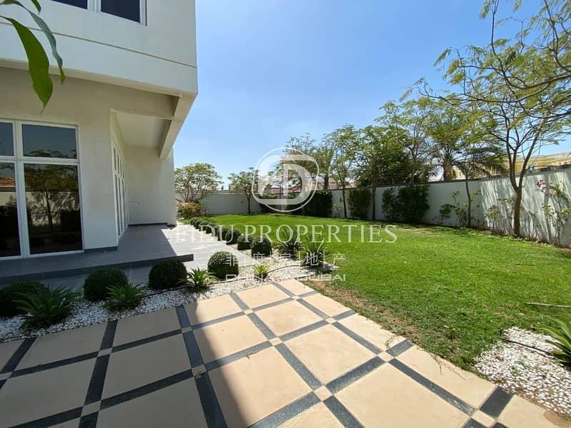 2 Beautiful 5 bed Modern Villa in Khawaneej 1