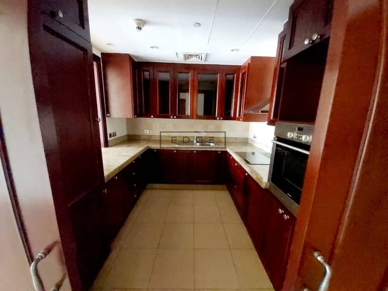 15 Beautiful 1 Bedroom/ Spacious Room /Balcony