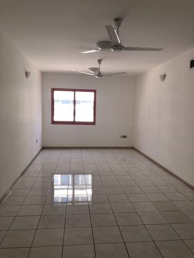 فلیٹ 2 غرفة نوم للايجار في ديرة، دبي - شقة في شارع الرقة الرقة ديرة 2 غرف 63000 درهم - 4581621