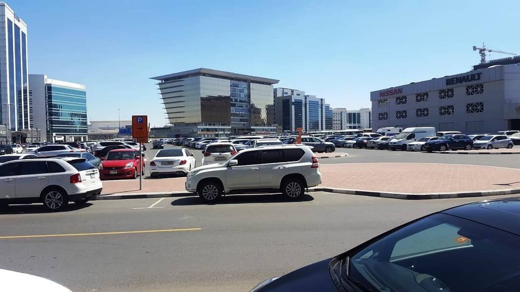 11 Large Showroom near DNATA DEIRA High Visibility